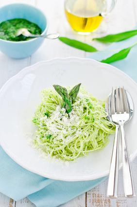 spaghetti with asparagus pesto