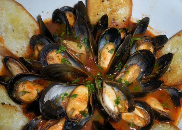 "Alt=italian easter food zuppa cozze"""