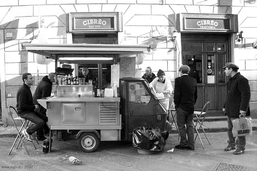 "Alt=Vorrei italian Lampredotto street food seller"""