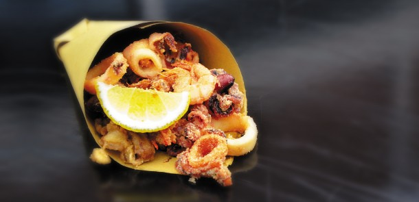 """Alt=""""vorrei italian naples street food cuoppo di pesce"""""""