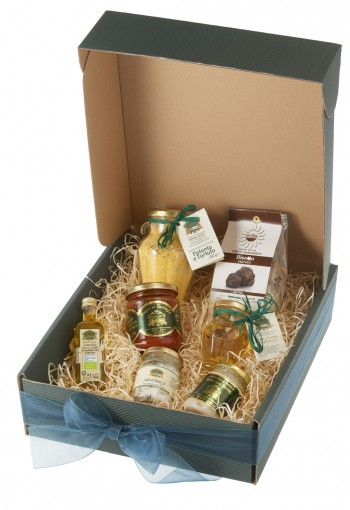 14 Christmas Hamper Ideas for Foodies | Vorrei Delicious ...