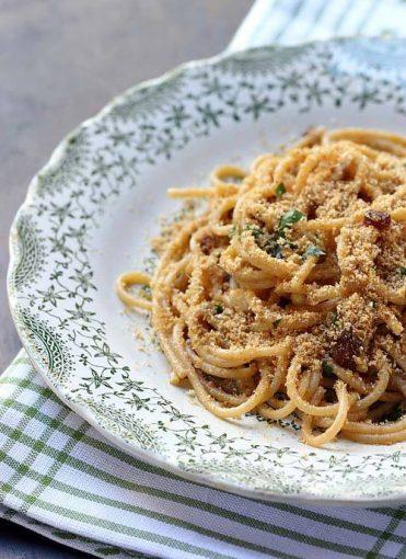 italian recipes: spaghetti ca muddica
