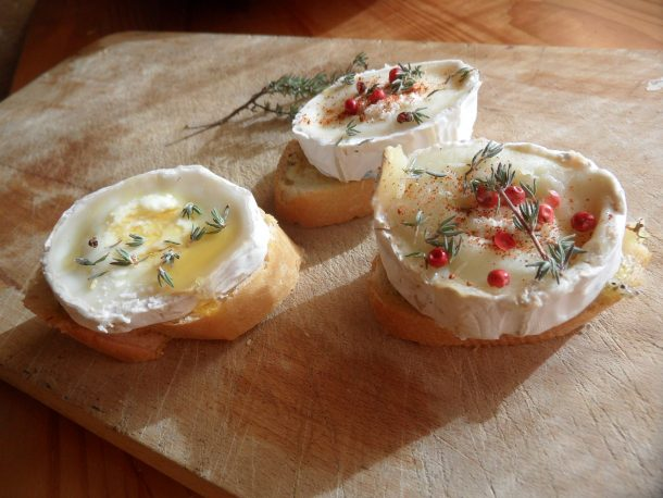 Goat's cheese with honey